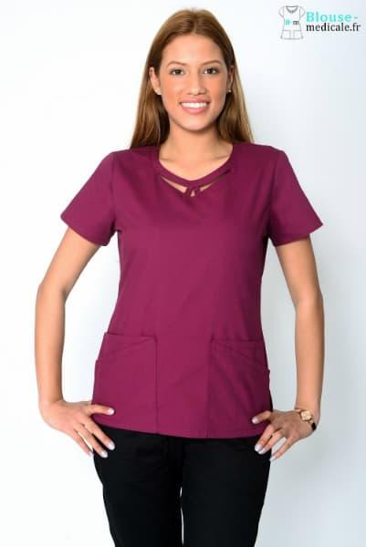 Une blouse moderne violette pour les professionnels de santé